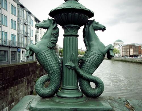 The Seahorses of Grattan Bridge. (Ci.)