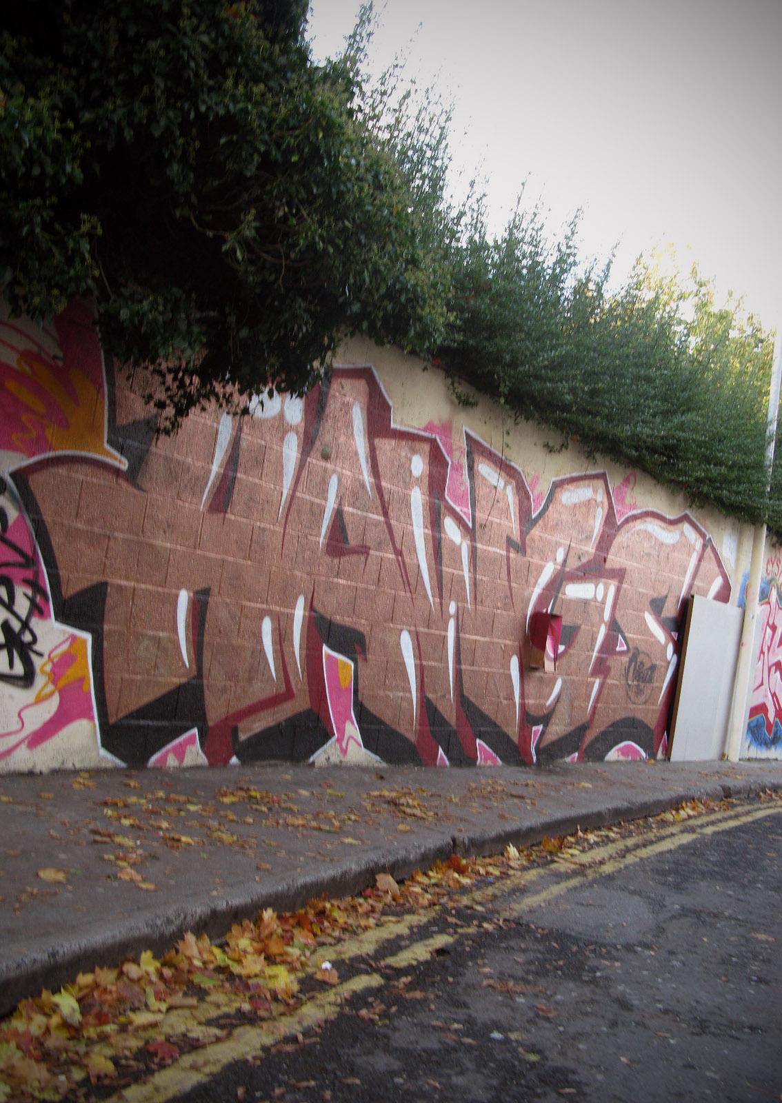 Dublin Graffiti Come Here To Me