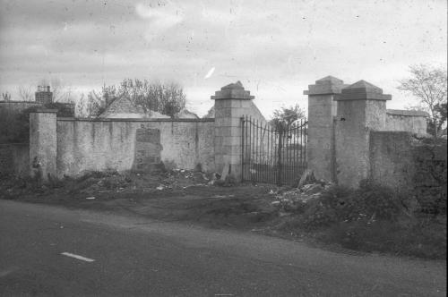 The entrance gates, which had seen better days, of The Priory. From Footprints of Emmet by J.J. Reynolds (1903).