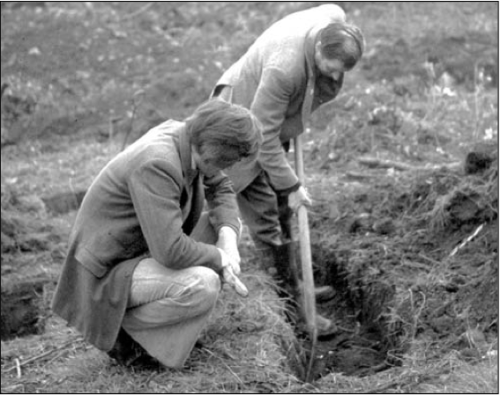 Patrick Healy pictured with spade was part of the team which undertook an archaeologiical investigation at Priory in 1976/79 in search of Gertrude Curran's grave. Credit - Patrick Healy