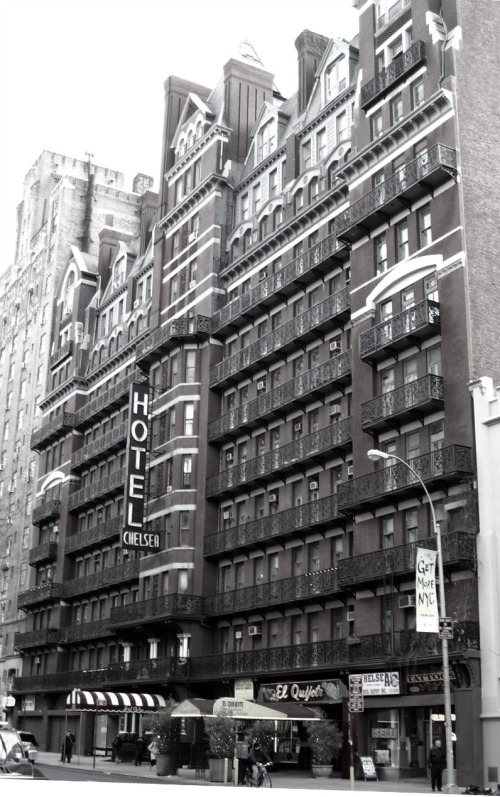 The Chelsea Hotel, New York. (2010,Wiki)