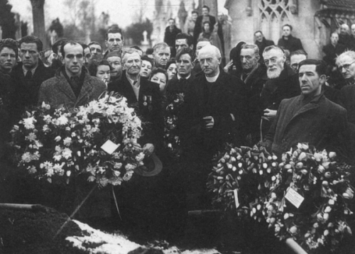 A scene from the funeral of Larkin. Via http://multitext.ucc.ie