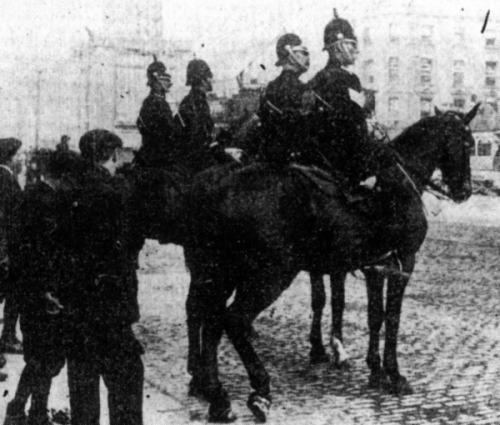 Mounted police in Dublin at the time of the 1913 Lockout (UCC Multitext)