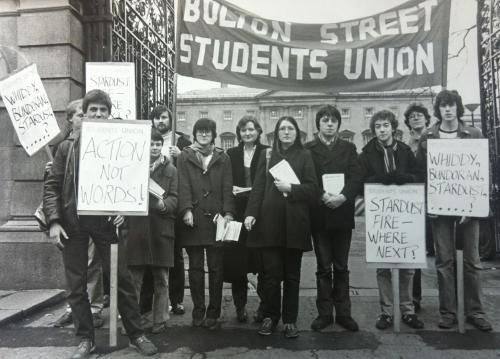 Students outside Dail Eireann highlighting the Stardust (Artane, 1981) and the Central Hotel (Bundoran, 1980) fire disasters. Credit - Irish Student Movement Research Project.