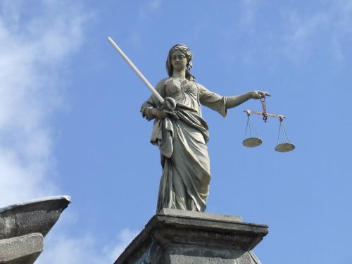 Lady Justice at the Castle (Ciarán Murray)