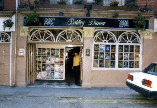 Bartley Dunne's, 1980s. Credit - 'Bartley Dunnes Reunion' Facebook