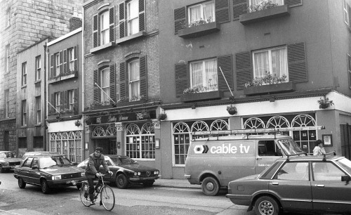 Bartley Dunne's, 1984. Credit - Dublin City Photographic Collection.