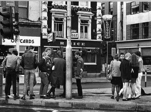Top of Grafton Street with Rice's in background. Credit - Where Were You?
