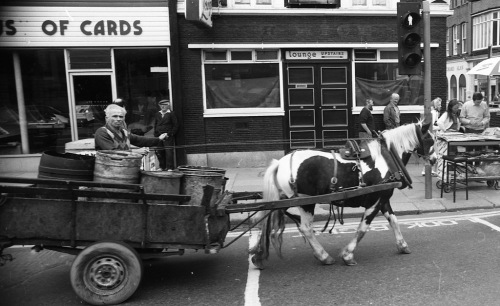 Draught Horse passing a closed Rice's, c. 1985. Credit - dublincitypubliclibraries.com