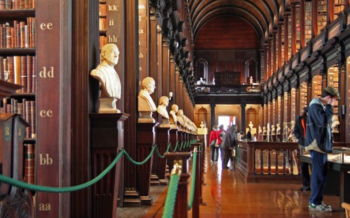 The Long Room of the Trinity College Dublin old library, where the harp can be seen today (source: Wiki)