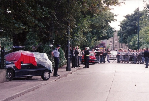 Aftermath of the shooting of Martin Cahill, 1994. Credit - Oisin (Broadsheet.ie)