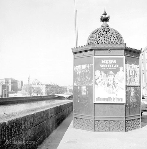 Pissoir on Ormond Quay beside Capel Street bridge, 1969. Credit - NLI/Archiseek