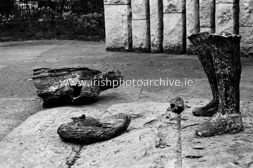 Pieces of the statue of Theobald Wolfe Tone on St Stephen's Green, 1971. Credit - Irish Photo Archive