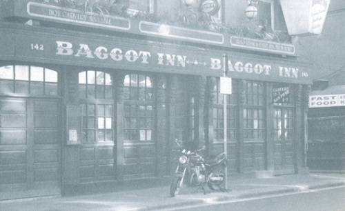 A historic image of The Baggot Inn. (Image Credit:  T.Daley, http://www.u2theearlydayz.com/)