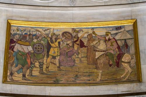 Mural depicting the Battle of Clontarf at City Hall (Image: Paul Reynolds)