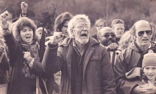 Schoon (with glasses) joins in a clenched fist salute for the released ANC leader in Merrion Square, Dublin, organised by the Irish Anti-Apartheid Movement in February 1990. Photograph : Frank Miller