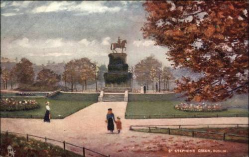 A historic postcard showing the monument and giving an idea of the sheer scale of its pedestal.