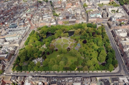 An excellent aerial shot of St. Stephen's Green taken by the Irish Air Corps . (Via http://www.thejournal.ie/aerial-photos-dublin-1421275-Apr2014/)