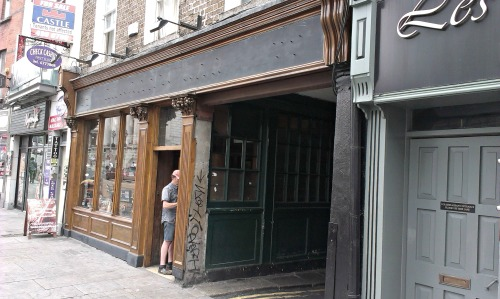 Brogans on Dame Street gets a paint job. Credit - Sam