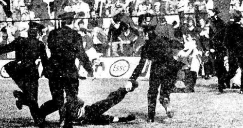 Gardaí on the pitch in 1975 (Irish Press)