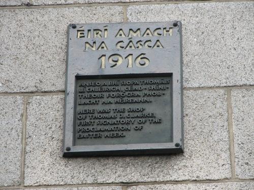 1966 plaque (Wikicommons)