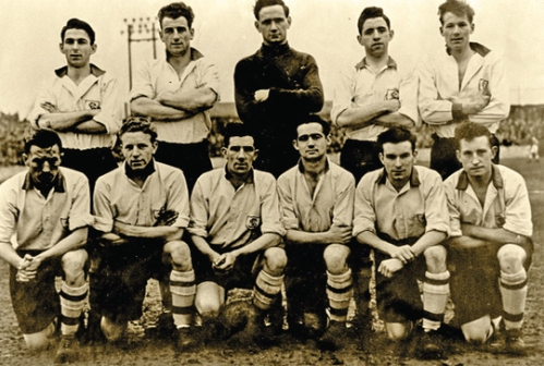 A successful Pats side of the late 1950s, including many players who would feature in the 1959 and '61 finals, such as goalkeeper Dinny Lowry, Tommy 'Longo' White and Paddy 'Ginger' O' Rourke (Image: http://www.dublinpeople.com/article.php?id=3259)