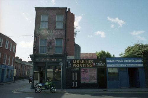 Fallon's, 1991. Credit - Dublin City Council Photographic Collection.