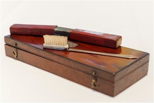 Image Credit: Royal College of Physicians of Ireland (http://rcpilibrary.blogspot.ie/2015/06/napoleons-toothbrush.html)