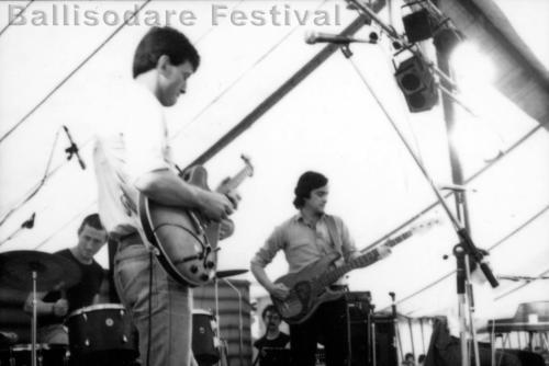 Freddie White on stage at Ballisodare Festival, 1980. Declan McNeilis on bass and Arty Lorrigan on drums.