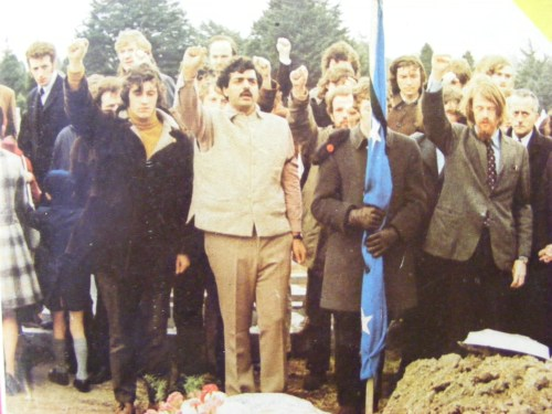 Charlie Bird and Tariq Ali at the funeral of Peter Graham. Credit - irishrepublicanmarxisthistoryproject.wordpress.com